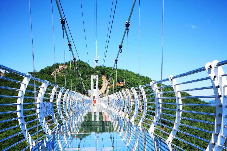 延边琵岩山风景区景点门票(七彩速滑/5d玻璃吊桥/cs射击场可选)